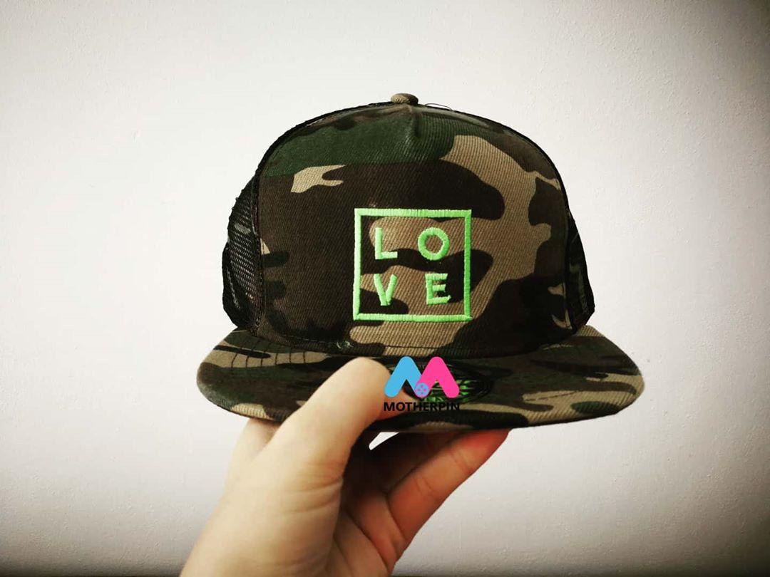 รับงานปักหมวก ร้าน LOVE